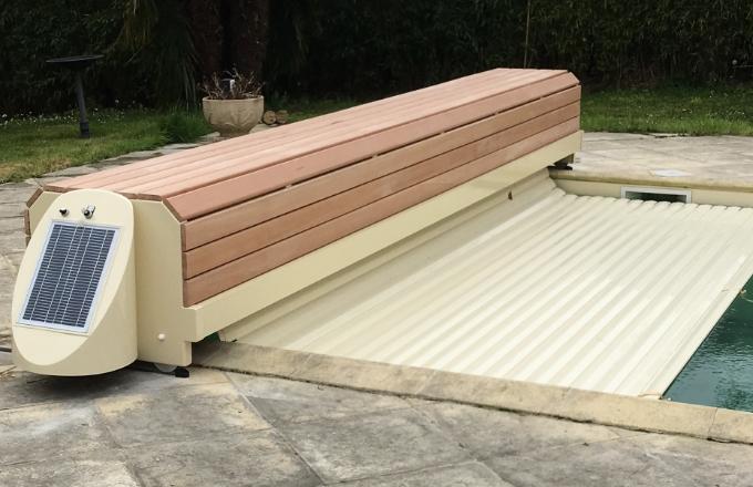 Banc piscine volet couleur beige